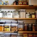 Organização e limpeza da despensa